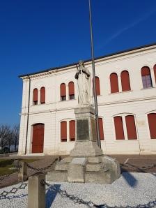 Monumento aos mortos na guerra
