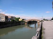 Ponte sobre o rio Tartaro
