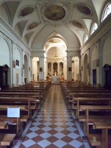Interno da paróquia de Sant'Antonio di Padova