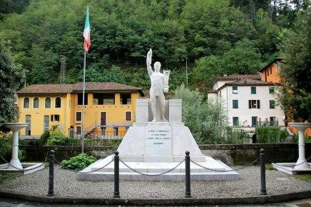 Monumento ao mortos nas guerras - Ponte Serraglio