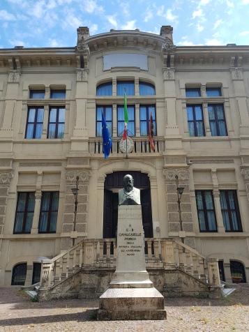 Entrada da Escola de Ensino Médio (Liceo) Giovanni Cotta