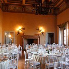 Um dos salões da Villa Alffaitati (foto: reprodução)